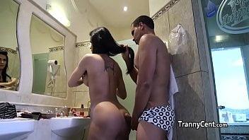 Xvideos com cenas gays passando rola nas travecas