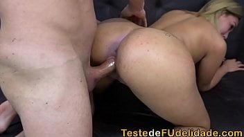 Xvidios porno loira gostosa dando a buceta quente