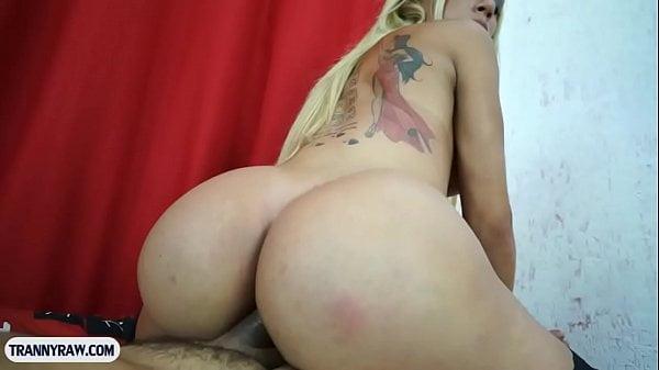 Porno brasileiro amador com travesti cuzuda